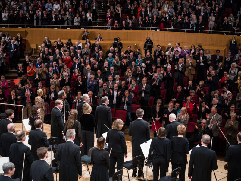 Standing Ovations (c) Peter Meisel